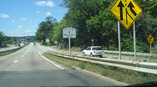 Entering Wellesley, Rte. 9 West