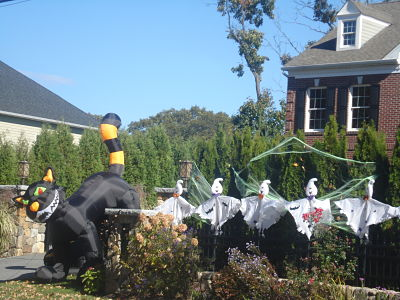 wellesley ma halloween decorations cats ghosts