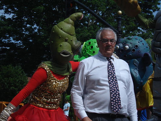 wellesley parade barney and monster