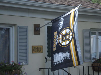 bruins flag washington st