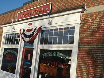 Deluxe Pizza Wellesley MA