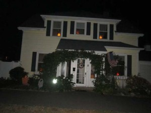 Wellesley rec haunted house decorating contest