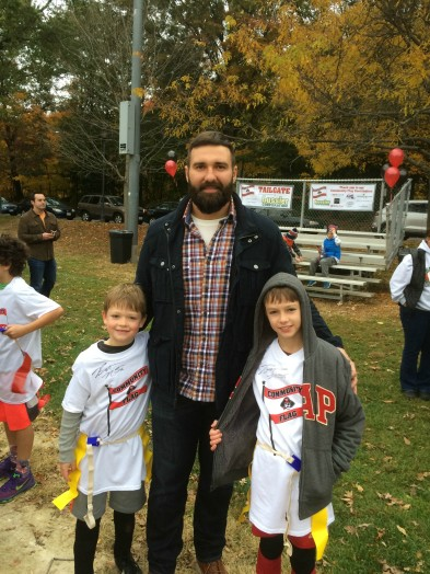 rob ninkovich and kids on field wellesley