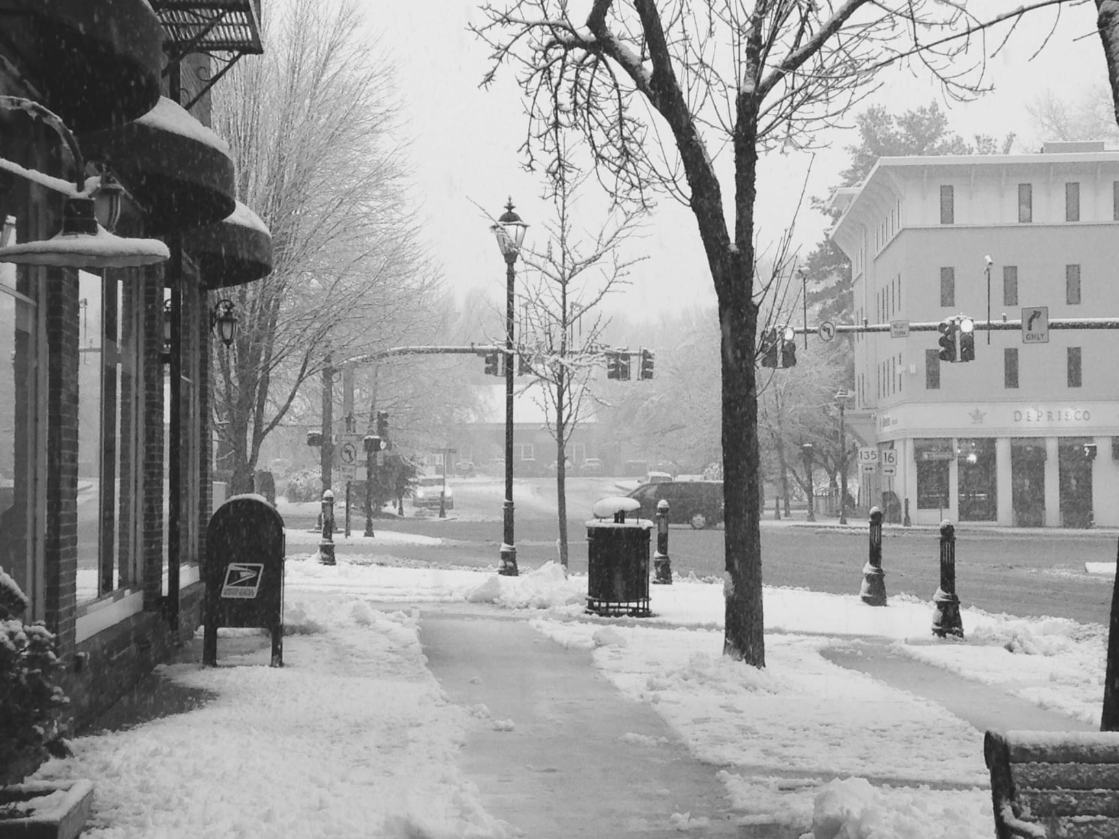 Snow day, Wellesley Square