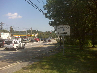 Entering Wellesley, Rte. 9 East