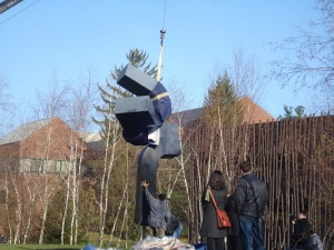 Meadmore sculpture Wellesley College