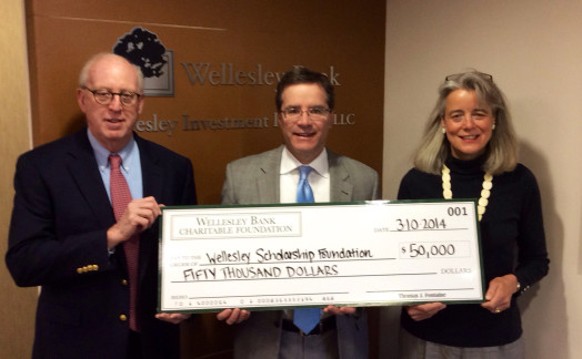 Wellesley Scholarship Officers receive $50,000 grant from Wellesley Bank Charitable Foundation. (Left to Right) Bob Lakin, Vice President WSF & Campaign Chair, Thomas Fontaine, President & CEO Wellesley Bank, and Sarah Pedersen, President WSF.