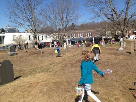 wellesley village church easter egg hunt