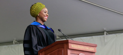 Chimamanda Ngozi Adichie wellesley college commencement 2015
