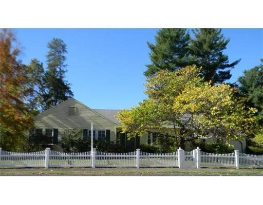 11 Arden Rd., Wellesley