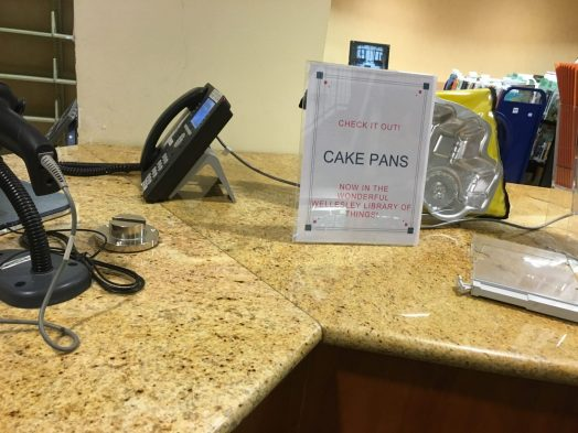 Wellesley Free Library of Things, cake pan