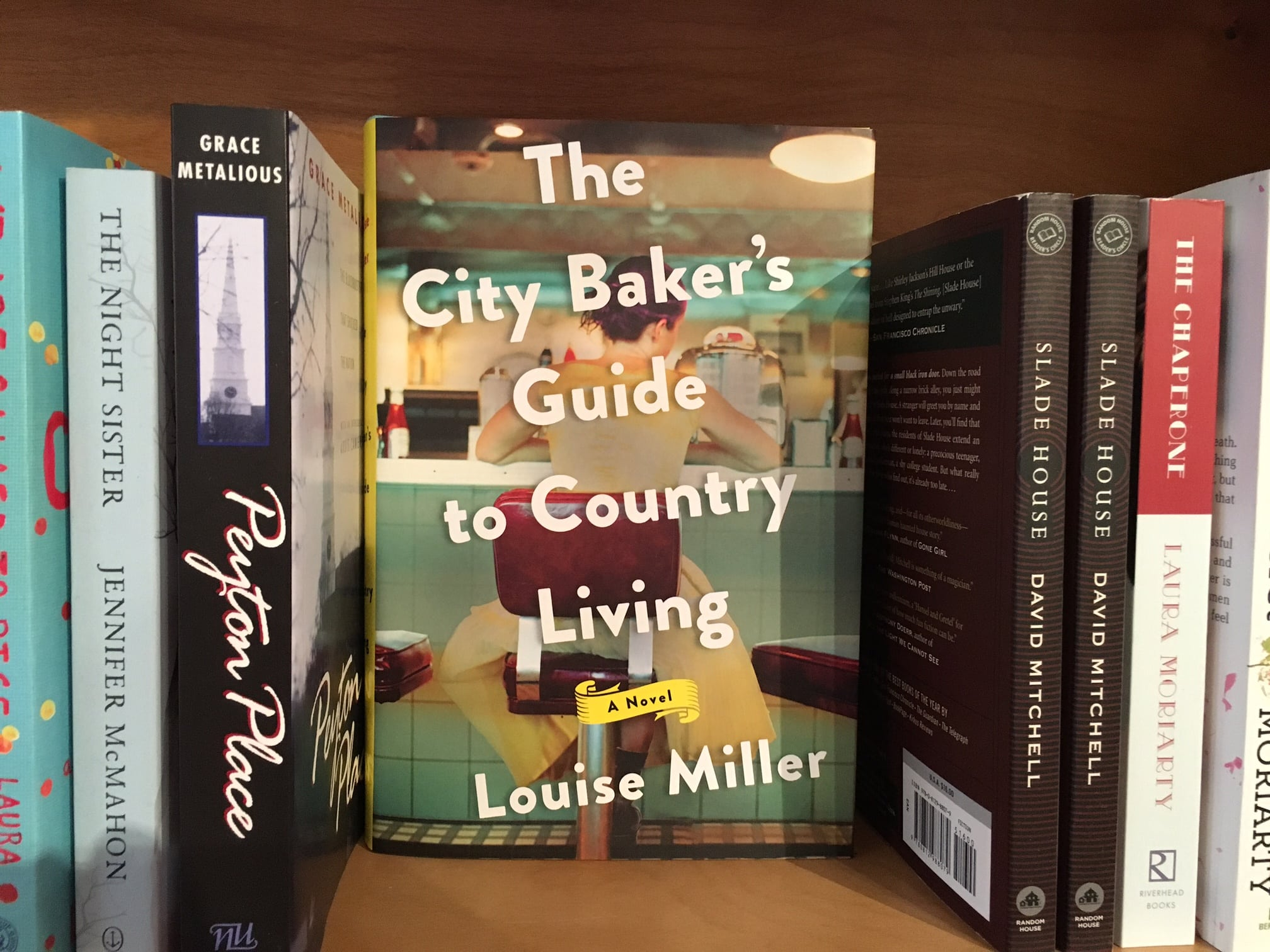 The City Baker's Guide to Country Living, Louise Miller