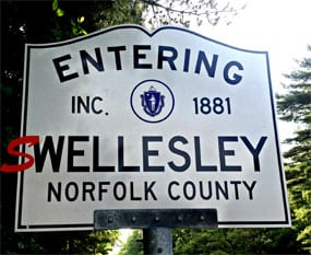 Entering Wellesley sign
