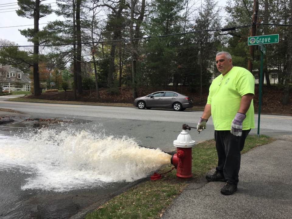 Wellesley DPW, hydrant flushing
