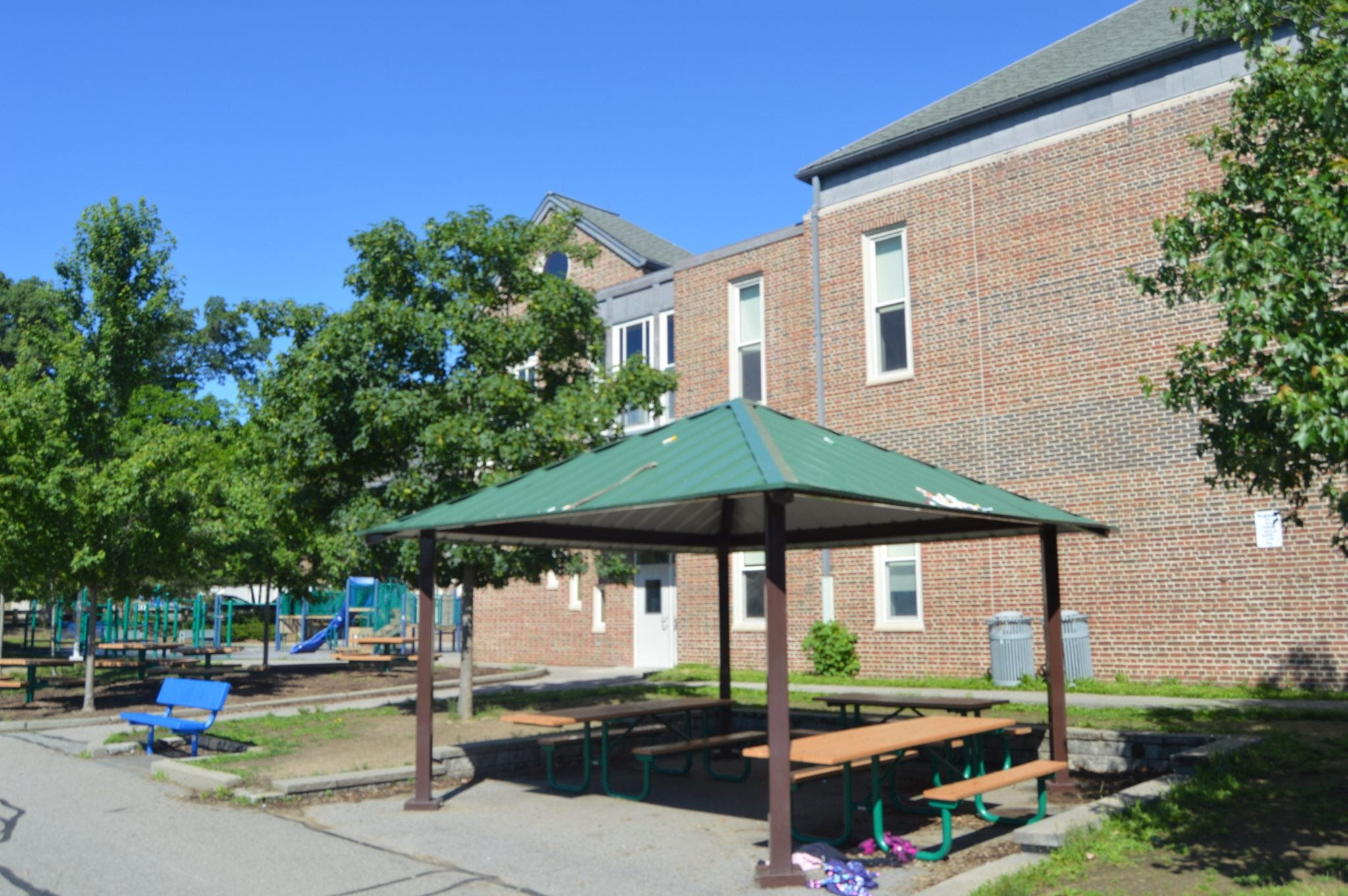 sprague elementary school playground, wellesley, picnic tables