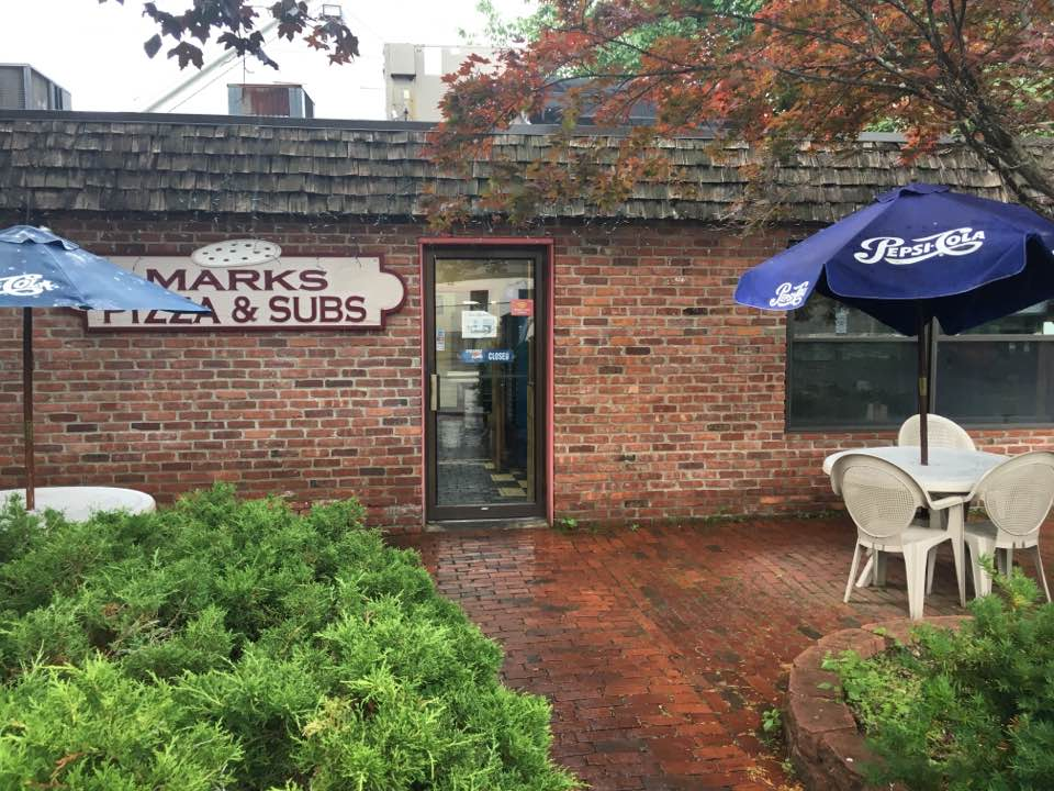 Mark's Pizza & Subs, Wellesley