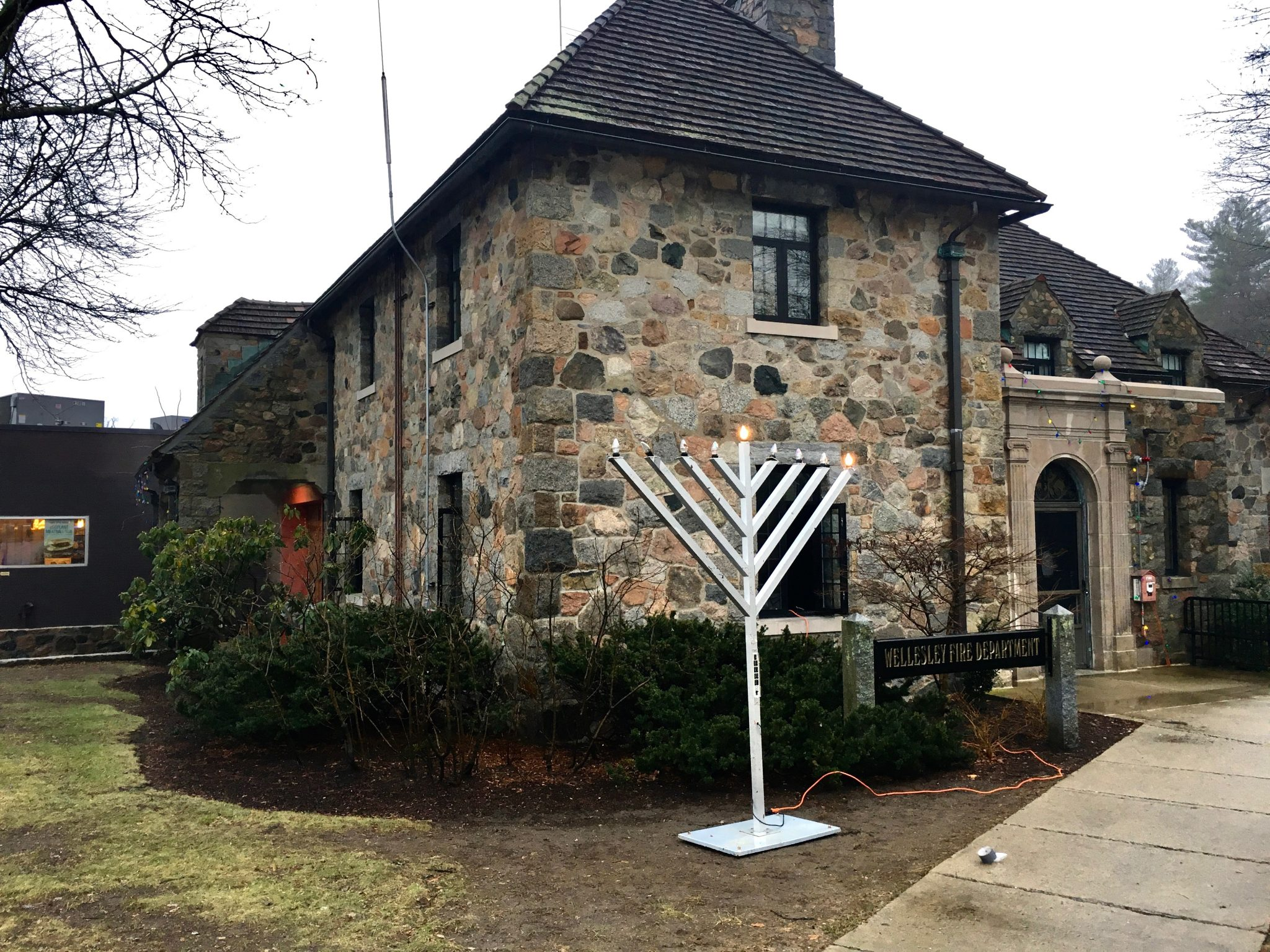 Wellesley menorah, Hanukkah