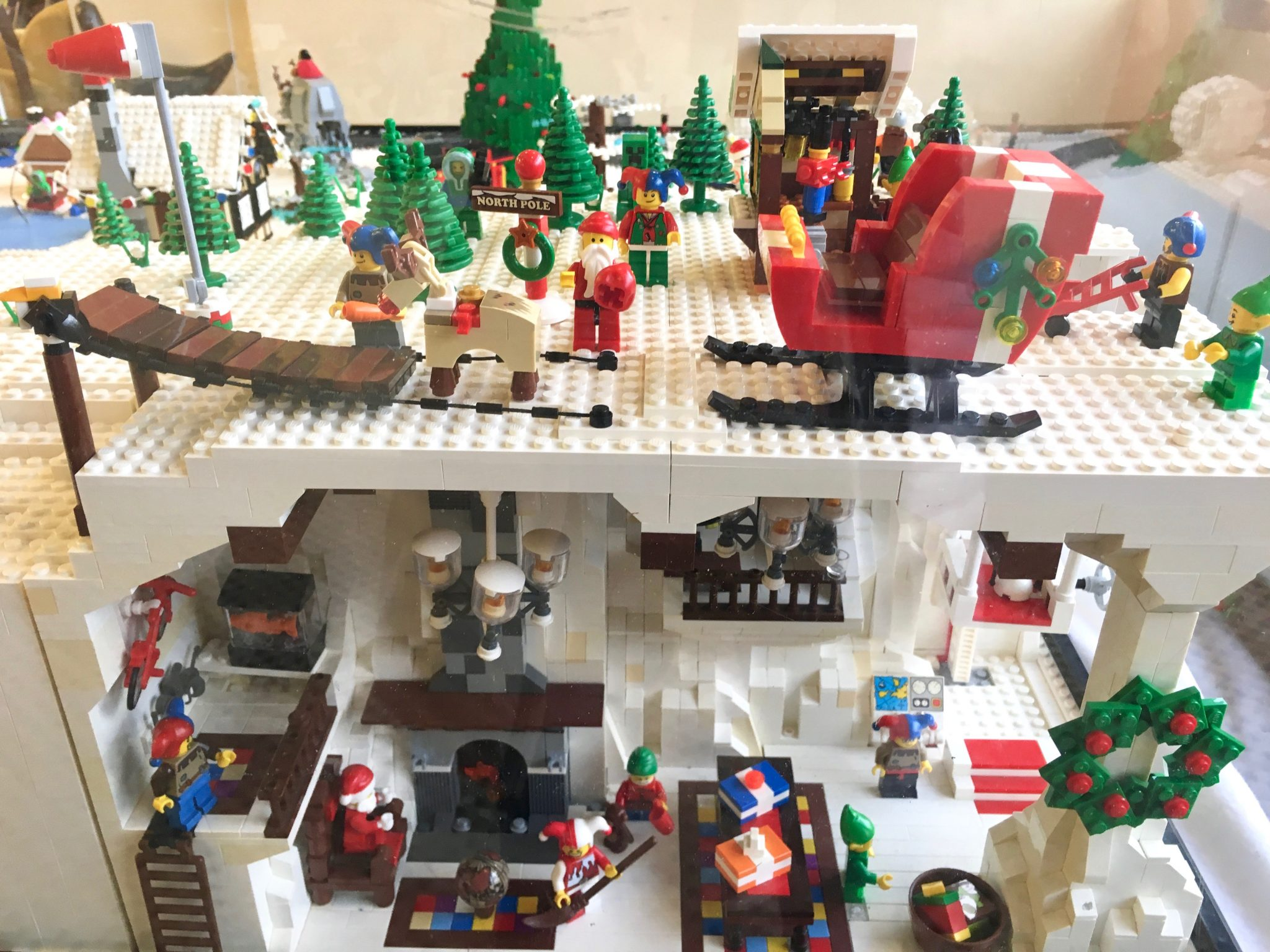 Lego Winter Village, Wellesley