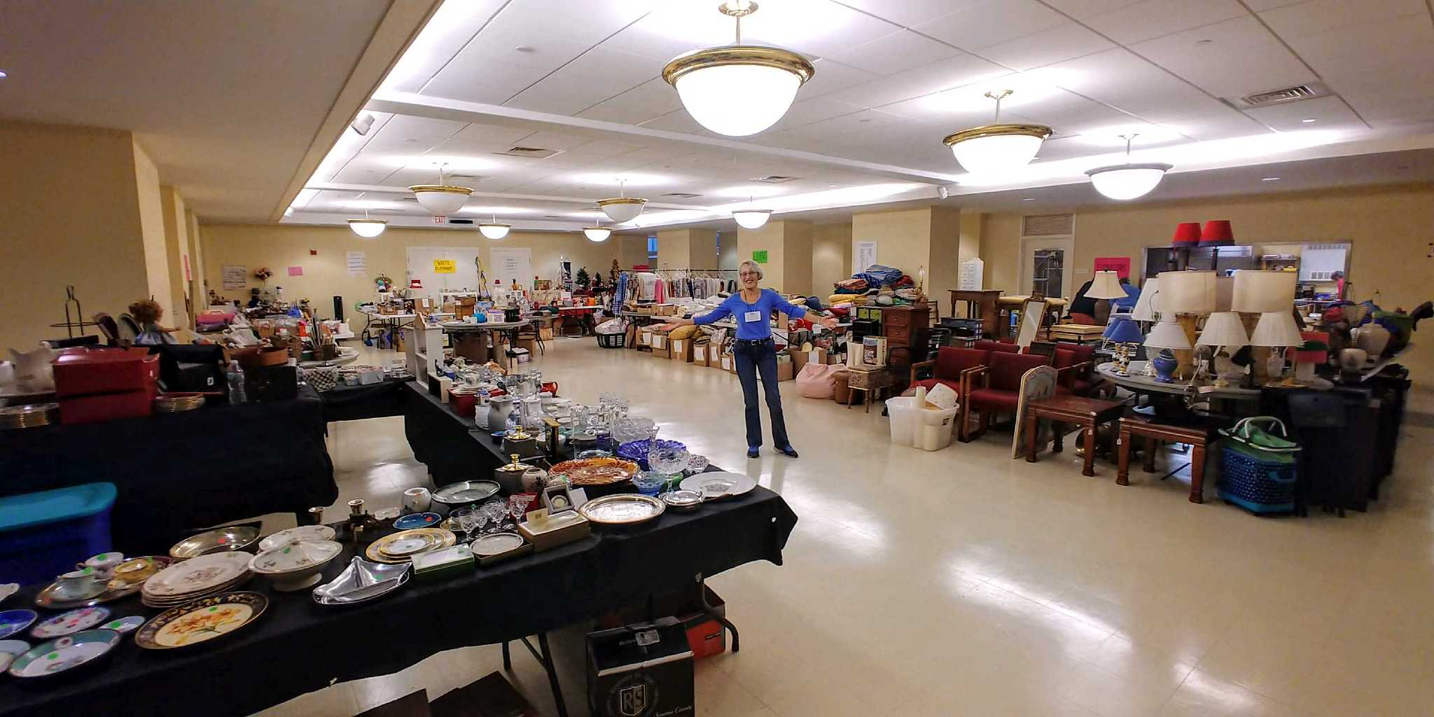 Wellesley Village Church, rummage sale