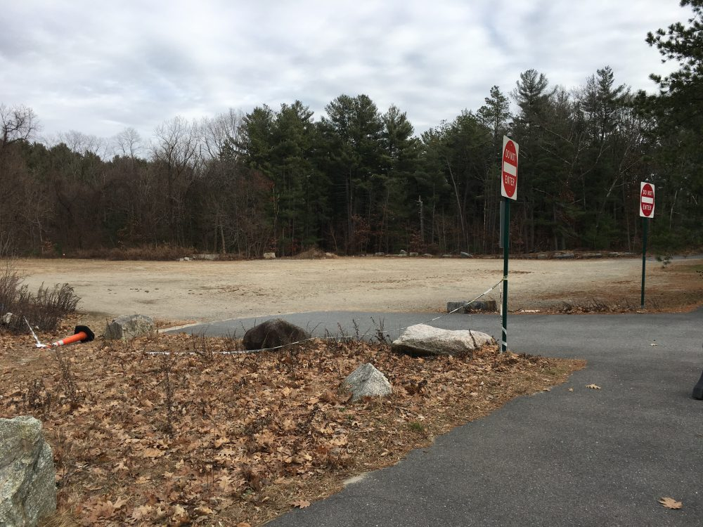 Morses Pond parking lot, Winter 2019