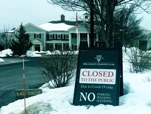Wellesley Country Club covid sign
